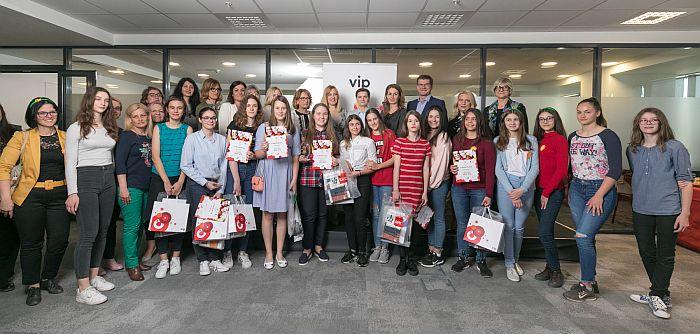 """Jubilarni """"Dan devojčica"""" u IKT-u okupio 150 učenica iz cele Srbije"""