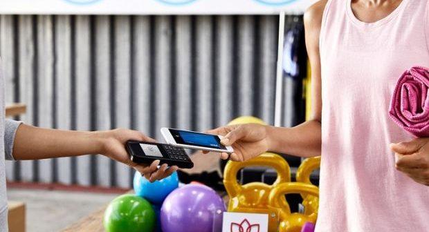 VISA istraživanje pokazalo veliki potencijal za rast upotrebe digitalnih novčanika: Četvrtina potrošača u Srbiji plaća pametnim telefonom